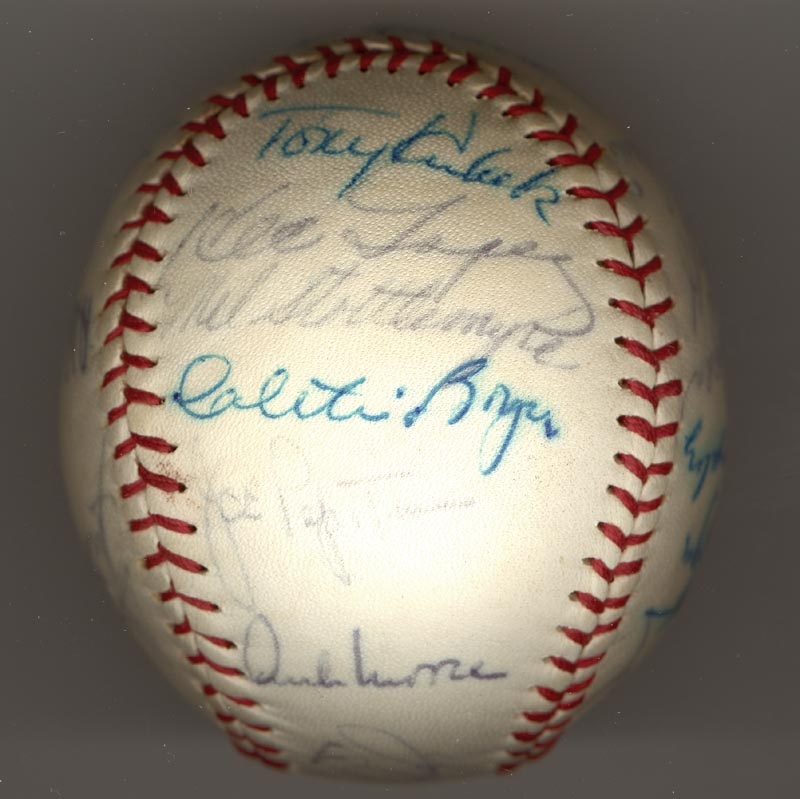 Image 4 for The New York Yankees - Autographed Signed Baseball Circa 1964 with co-signers - HFSID 102550