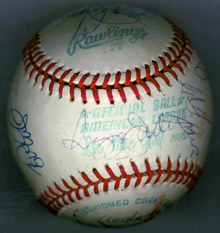 Image 3 for The New York Yankees - Autographed Signed Baseball Circa 1979 with co-signers - HFSID 136189