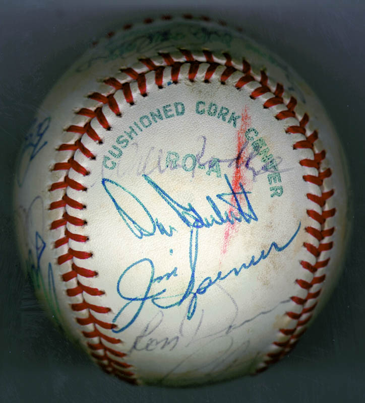 Image 5 for The New York Yankees - Autographed Signed Baseball Circa 1979 with co-signers - HFSID 136189