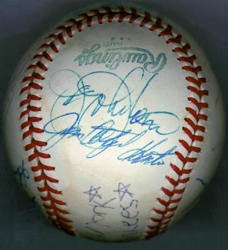 Image 6 for The New York Yankees - Autographed Signed Baseball Circa 1979 with co-signers - HFSID 136189