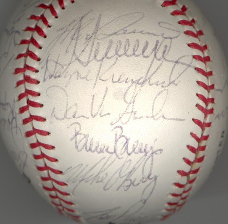 Image 6 for Cincinnati Reds - Autographed Signed Baseball Circa 1979 with co-signers - HFSID 137265