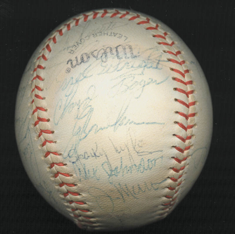 Image 4 for The New York Yankees - Autographed Signed Baseball Circa 1975 with co-signers - HFSID 147727