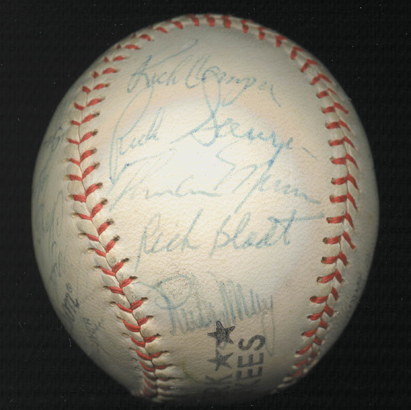 Image 5 for The New York Yankees - Autographed Signed Baseball Circa 1975 with co-signers - HFSID 147727