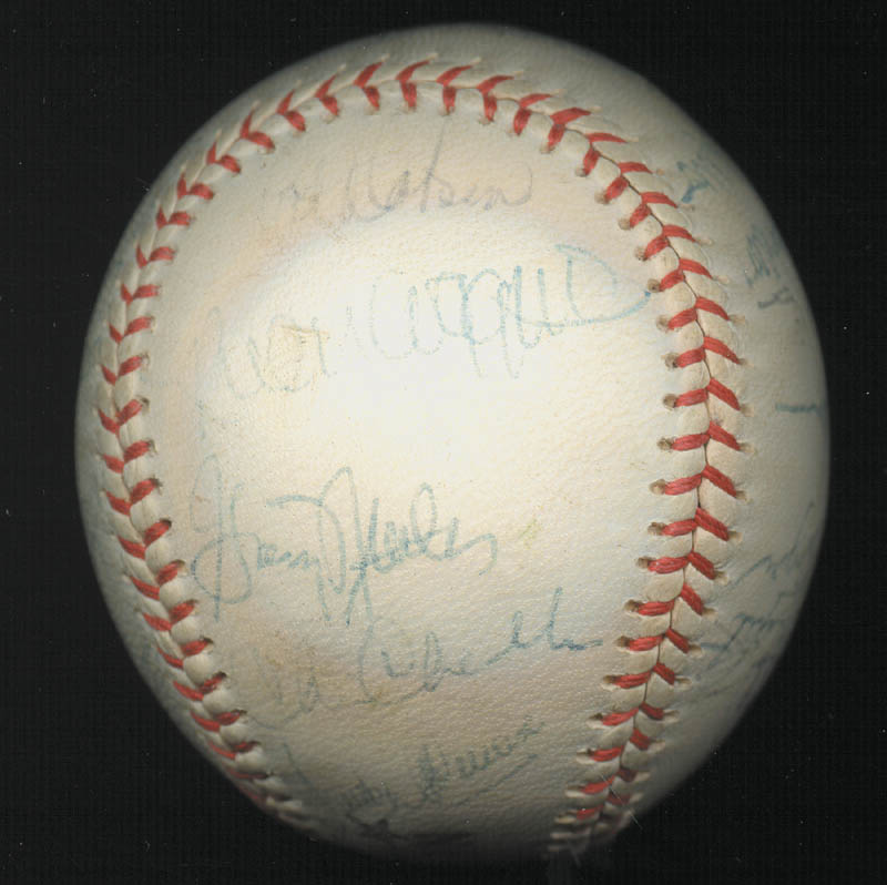 Image 6 for The New York Yankees - Autographed Signed Baseball Circa 1975 with co-signers - HFSID 147727