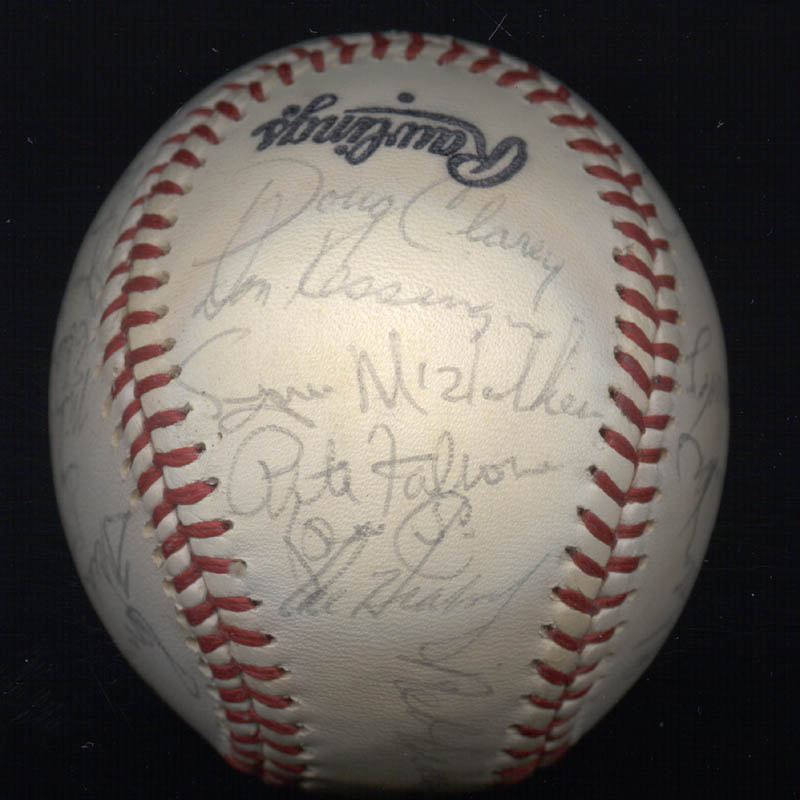 Image 4 for The St. Louis Cardinals - Autographed Signed Baseball with co-signers - HFSID 147728