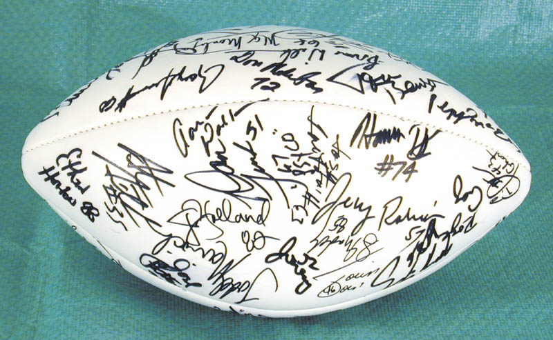 Image 3 for The Los Angeles Raiders - Football Signed Circa 1991 with co-signers - HFSID 157779