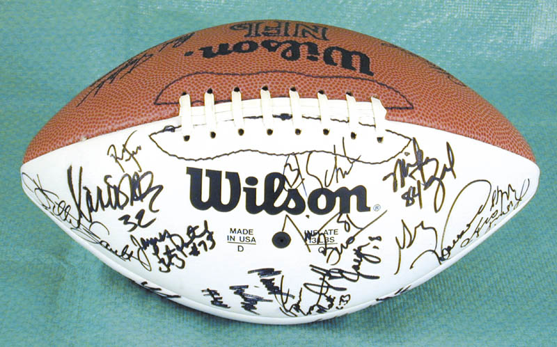 Image 4 for The Los Angeles Raiders - Football Signed Circa 1991 with co-signers - HFSID 157779