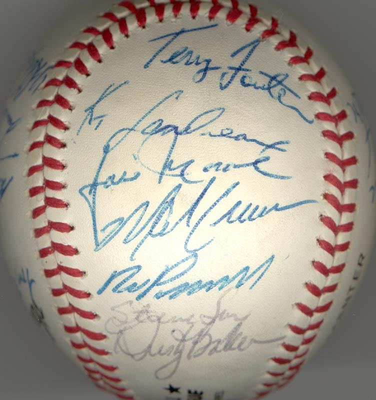 Image 4 for The Los Angeles Dodgers - Autographed Signed Baseball with co-signers - HFSID 164723