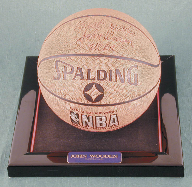 Image 1 for John Wooden - Basketball Signed - HFSID 167855