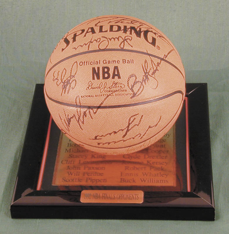 Image 1 for The Chicago Bulls - Basketball Signed Circa 1991 with co-signers - HFSID 167886