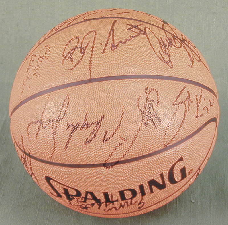 Image 5 for The Chicago Bulls - Basketball Signed Circa 1991 with co-signers - HFSID 167886