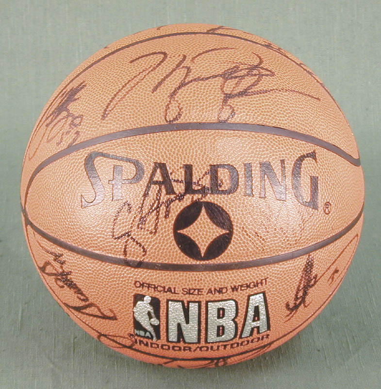 Image 7 for The Chicago Bulls - Basketball Signed Circa 1991 with co-signers - HFSID 167887