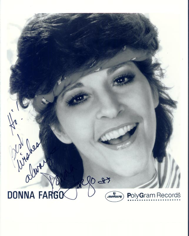 Image 1 for Donna Fargo - Printed Photograph Signed In Ink - HFSID 168384