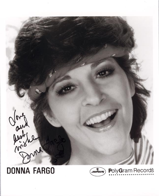 Image 1 for Donna Fargo - Printed Photograph Signed In Ink - HFSID 168386