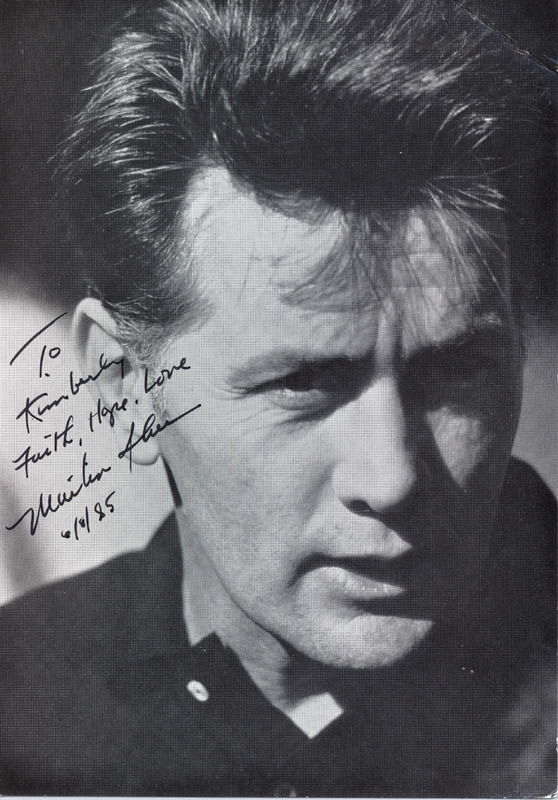 Image 1 for Martin Sheen - Inscribed Picture Postcard Signed 06/08/1985 - HFSID 193027