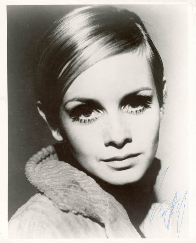 Image 1 for Twiggy - Autographed Signed Photograph - HFSID 198330