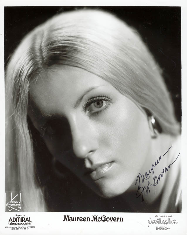 Image 1 for Maureen Mcgovern - Printed Photograph Signed In Ink - HFSID 222524