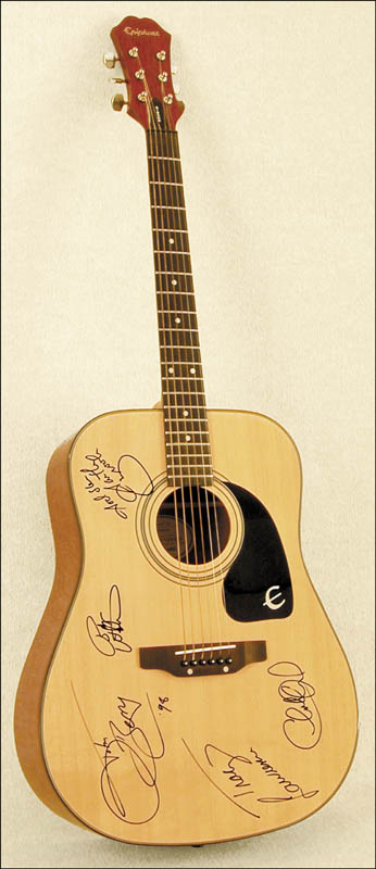 Image 1 for Garth Brooks - Guitar Signed 1998 co-signed by: Charlie Daniels, Tracy Lawrence, Bryan White, John Berry - HFSID 226790