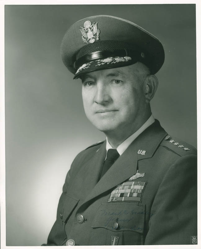 Image 1 for General Mark E. Bradley - Autographed Signed Photograph - HFSID 24041