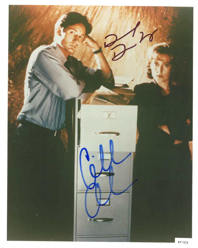 Image 1 for X Files T.V. Cast - Autographed Signed Photograph co-signed by: David Duchovny, Gillian Anderson - HFSID 256182