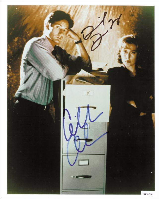 Image 1 for X Files T.V. Cast - Autographed Signed Photograph co-signed by: David Duchovny, Gillian Anderson - HFSID 256184