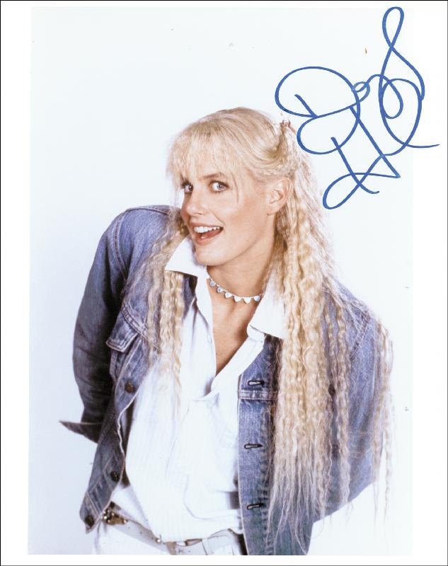 Image 1 for Daryl Hannah - Autographed Signed Photograph - HFSID 256602
