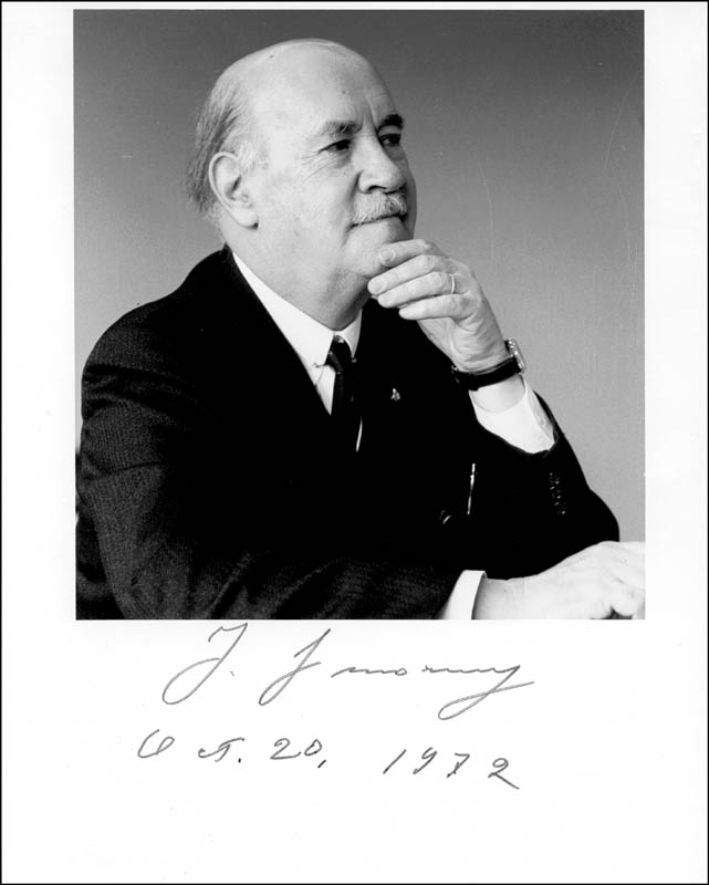 Image 1 for Igor Sikorsky - Autographed Signed Photograph 10/20/1972 - HFSID 257195