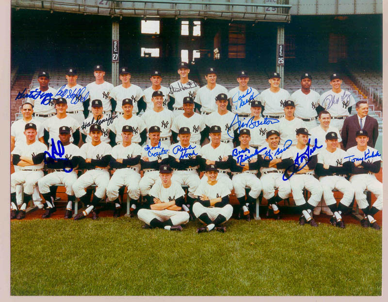 Image 1 for The New York Yankees - Autographed Signed Photograph with co-signers - HFSID 270018