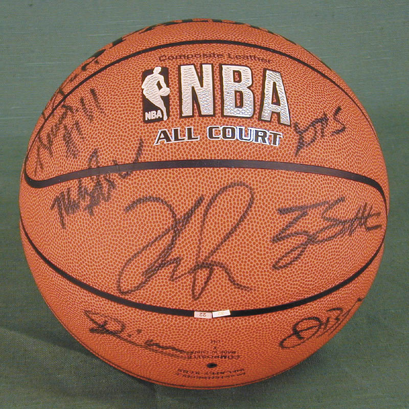 Image 3 for Atlanta Hawks - Basketball Signed Circa 2004 with co-signers - HFSID 270100