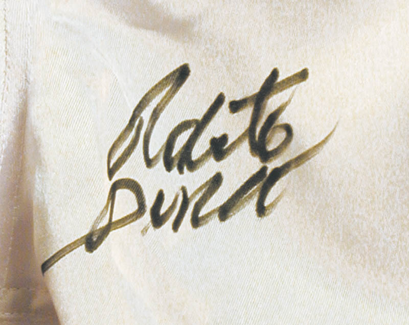 Image 1 for Roberto 'Hands Of Stone' Duran - Boxing Trunks Signed - HFSID 274051