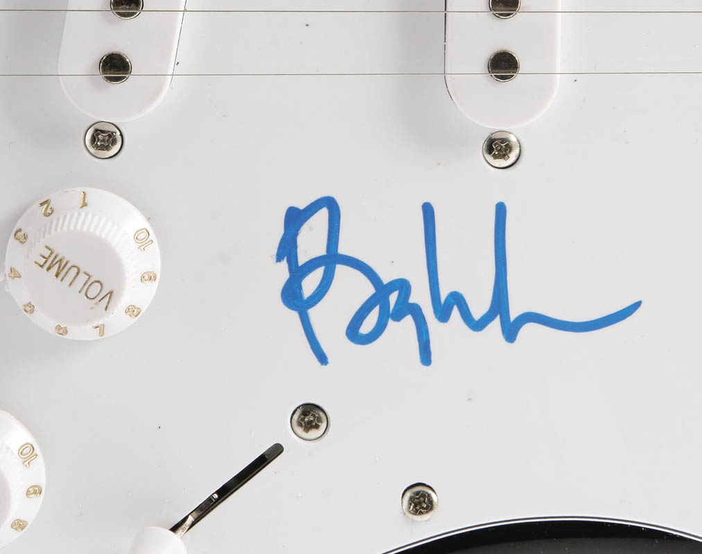 Image 4 for Barry Manilow - Guitar Signed - HFSID 275034