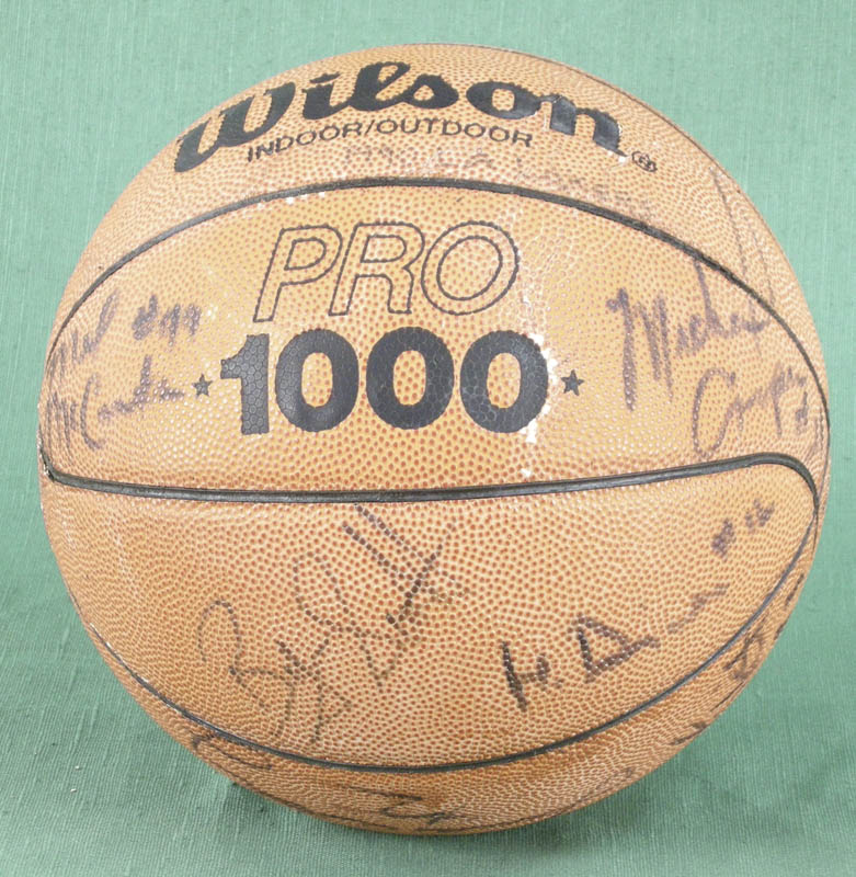 Image 1 for The Los Angeles Lakers - Basketball Signed with co-signers - HFSID 277134