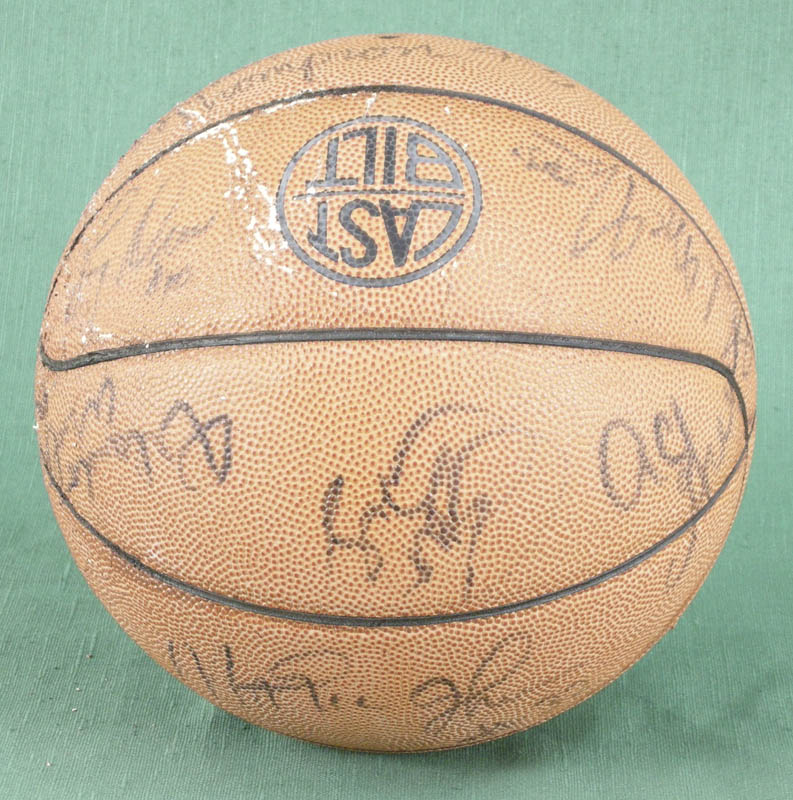 Image 4 for The Los Angeles Lakers - Basketball Signed with co-signers - HFSID 277134