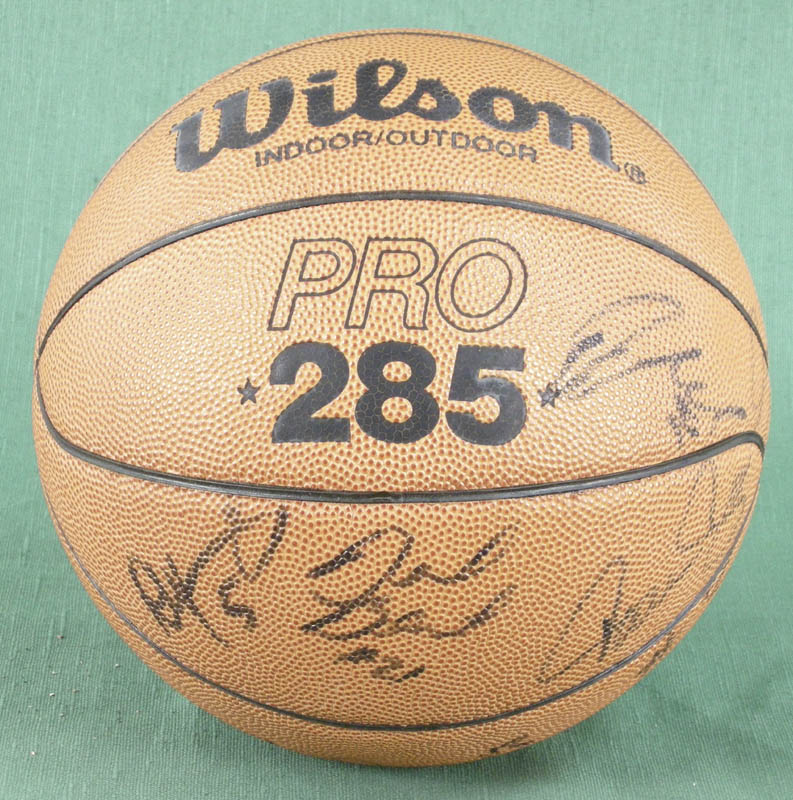Image 3 for Bill Walton - Basketball Signed co-signed by: Dan Majerle, Danny Manning, David Benoit, Dana Barros - HFSID 277200