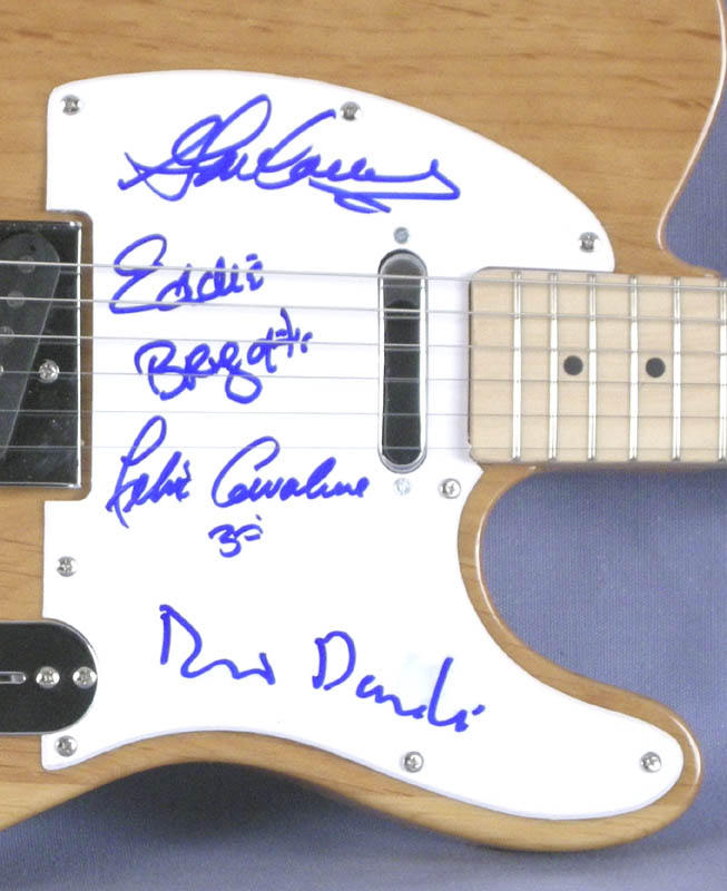 Image 3 for The (Young) Rascals - Guitar Signed with co-signers - HFSID 280218
