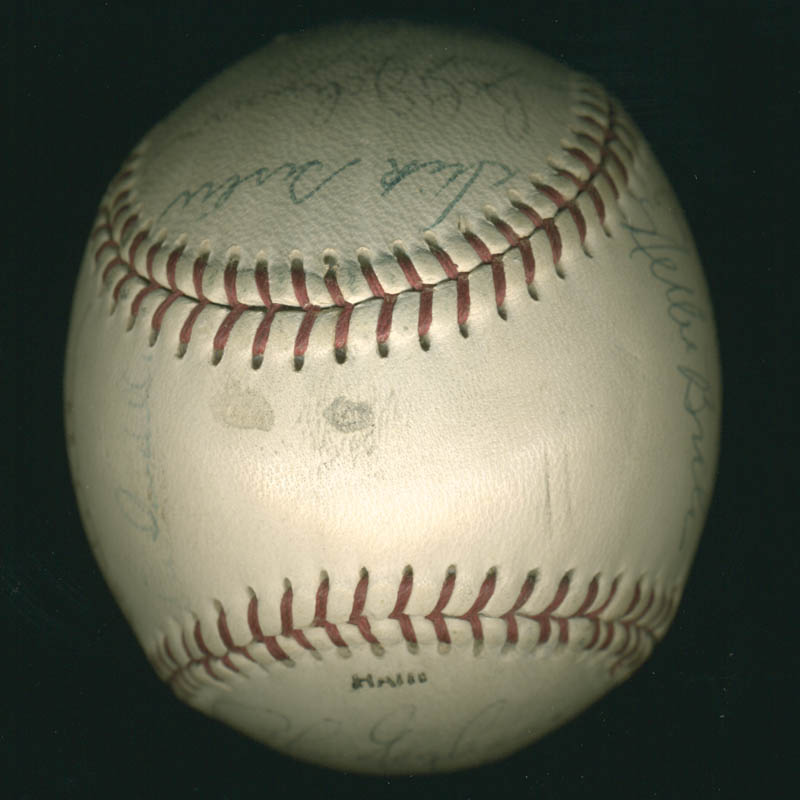 Image 7 for The St. Louis Cardinals - Autographed Signed Baseball with co-signers - HFSID 284366