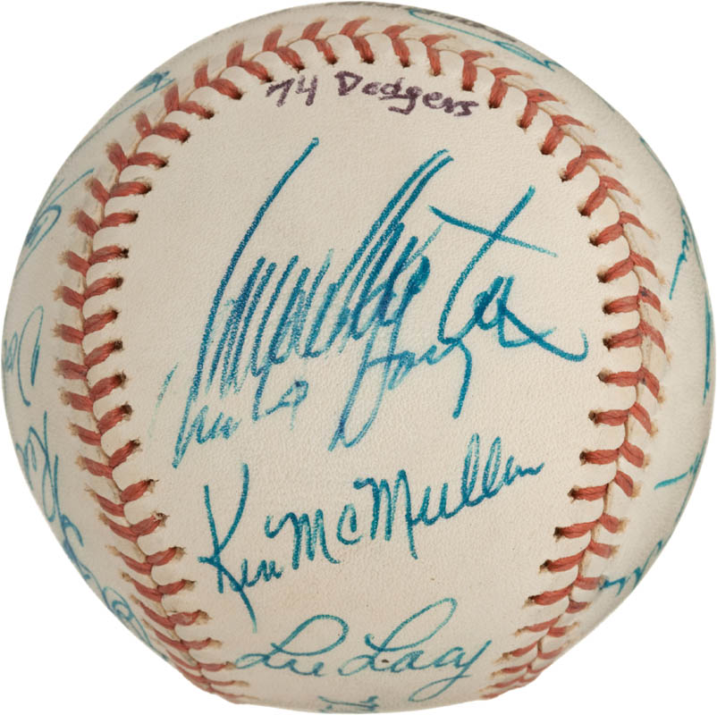 Image 6 for The Los Angeles Dodgers - Autographed Signed Baseball with co-signers - HFSID 288574