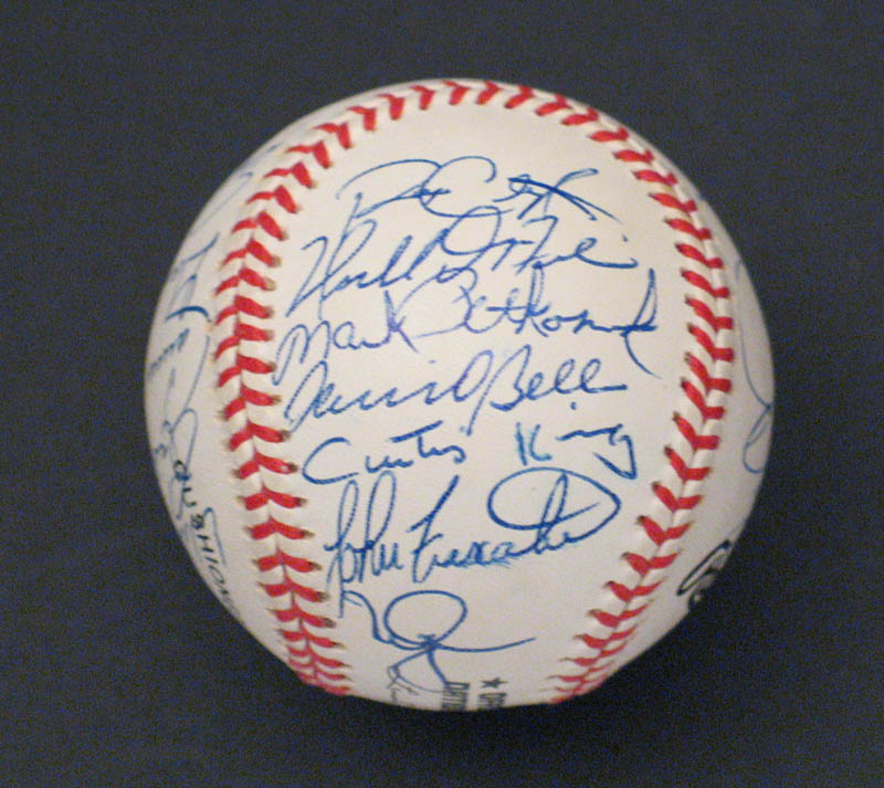 Image 3 for The St. Louis Cardinals - Autographed Signed Baseball with co-signers - HFSID 292740