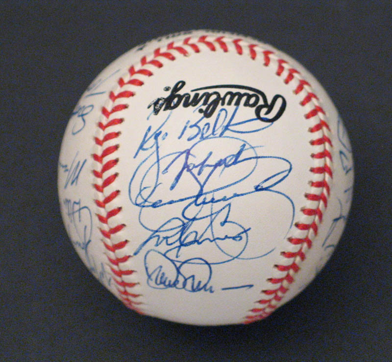 Image 5 for The St. Louis Cardinals - Autographed Signed Baseball with co-signers - HFSID 292740