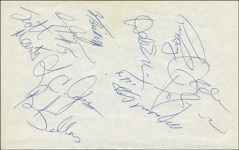 Image 4 for The Los Angeles Lakers - Autograph with co-signers - HFSID 299227