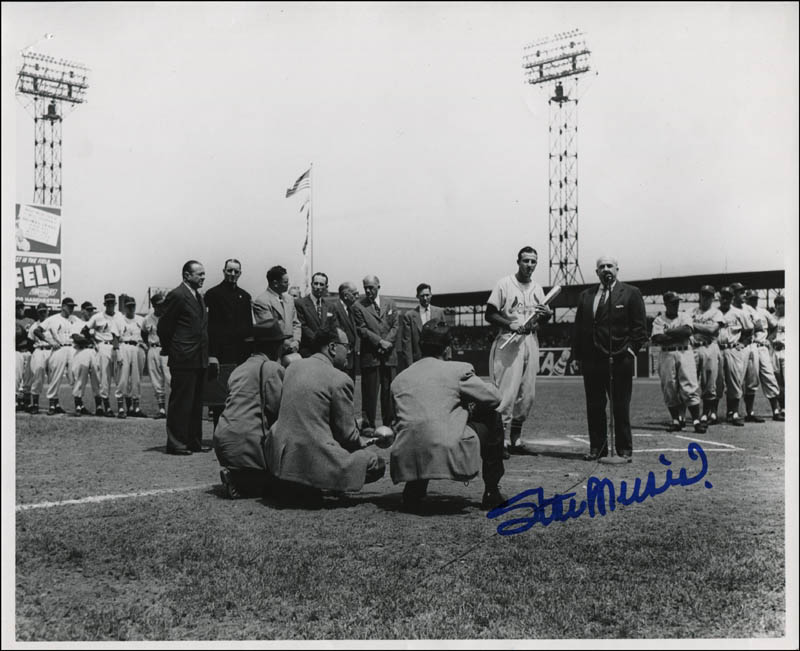 Image 1 for Stan 'The Man' Musial - Autographed Signed Photograph - HFSID 322303