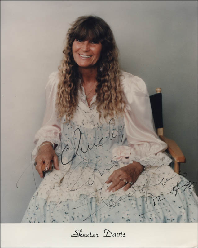 Image 1 for Skeeter Davis - Inscribed Printed Photograph Signed In Ink 12/04/1990 - HFSID 325114