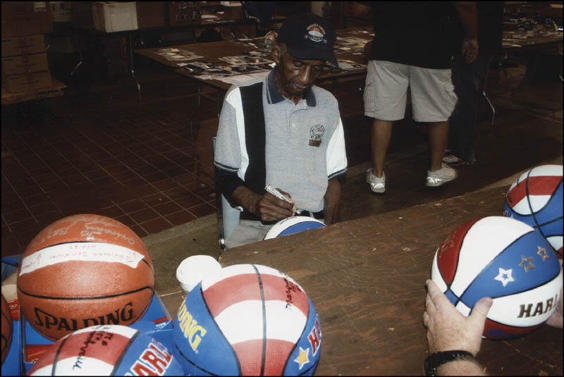 Image 3 for Marques Haynes - Basketball Signed - HFSID 345062