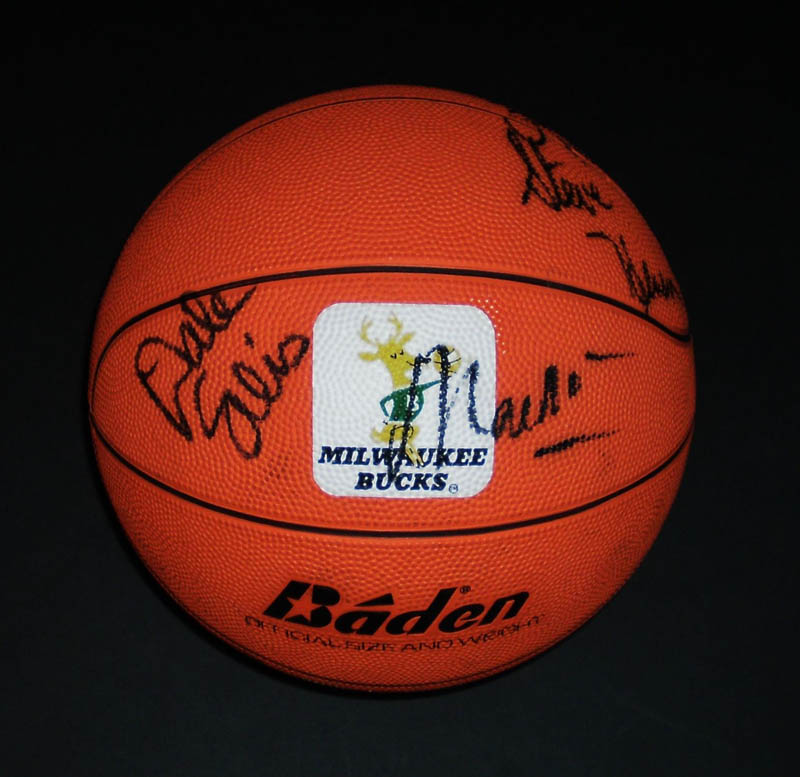 Image 1 for Milwaukee Bucks - Basketball Signed Circa 1991 with co-signers - HFSID 345681