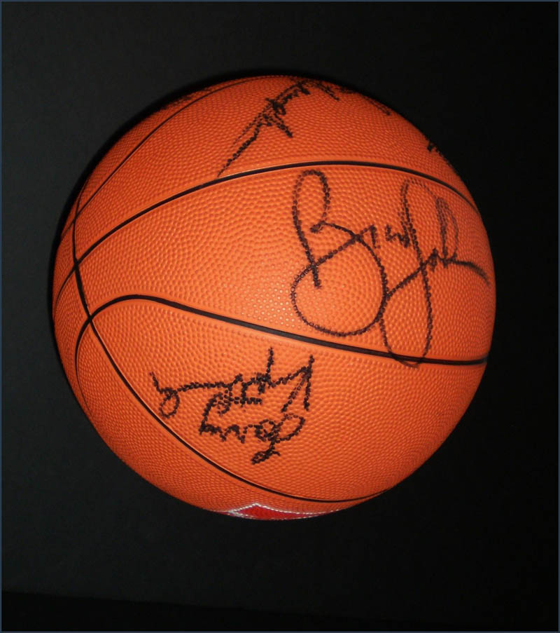 Image 5 for Milwaukee Bucks - Basketball Signed Circa 1991 with co-signers - HFSID 345681