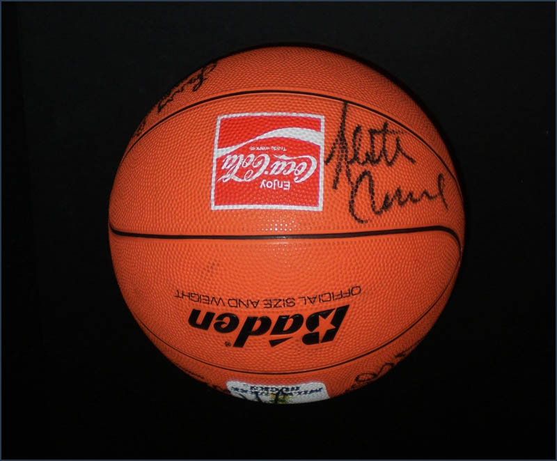 Image 6 for Milwaukee Bucks - Basketball Signed Circa 1991 with co-signers - HFSID 345681