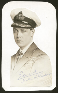 Autographs: KING EDWARD VIII - PHOTOGRAPH SIGNED