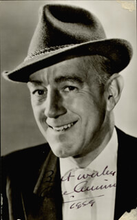 SIR ALEC GUINNESS - AUTOGRAPHED SIGNED PHOTOGRAPH 1959