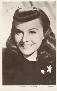 PAULETTE GODDARD - PICTURE POST CARD SIGNED