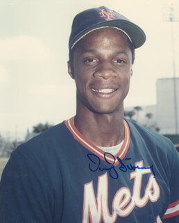 DARRYL STRAWBERRY - AUTOGRAPHED SIGNED PHOTOGRAPH